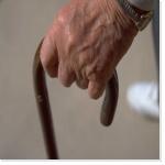 3000 suicides par an des personnes âgées. Rapport ONFV sur la fin de vie des personnes âgées.